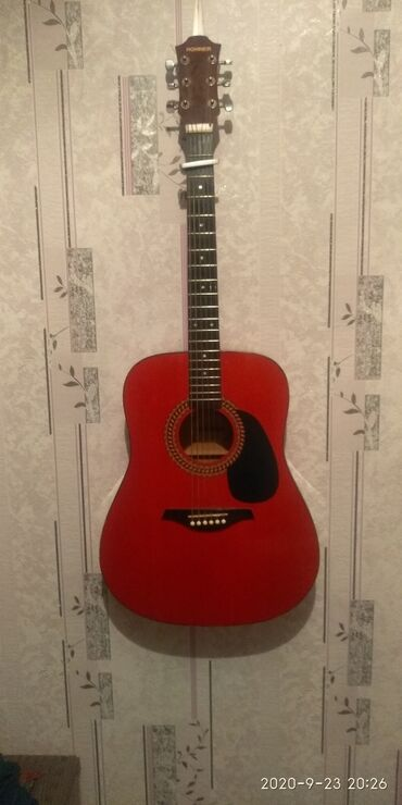 спининг в Кыргызстан: Продаю гитару HOHNER прошу 5500 состояние хорошее, звук отличный