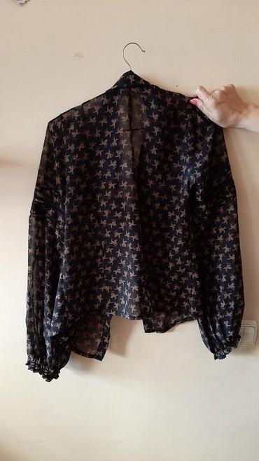 женские леггинсы со вставками в Азербайджан: Блузка с кружевными вставками на рукавах