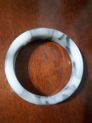 Срочно продаю бусы и браслет (нефрит) российского производство. Бусы