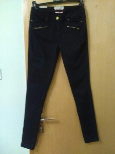 Zenske crne tegljive pantalone kao nove Bershka, velicina , 38 - Pozarevac