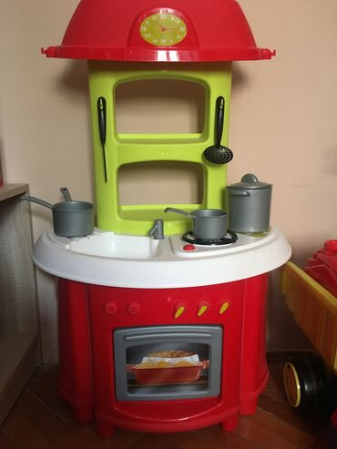 Igračke | Kragujevac: Prodajem kuhinjicu,igračka za decu,kao da je juce kupljena,potpuno