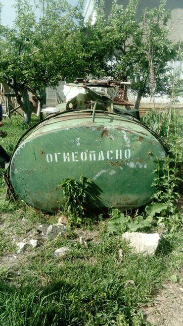 Бочка-для-молока - Кыргызстан: Цистерна 4, 5 куб. Есть краник снизу. Не битый