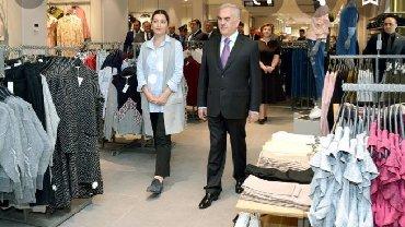 Продажи в Азербайджан: Part time ve ya ful time brend geyim mağazasında satıcı işlemek
