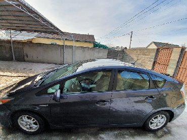 тойота 2017 в Кыргызстан: Toyota Prius 2011
