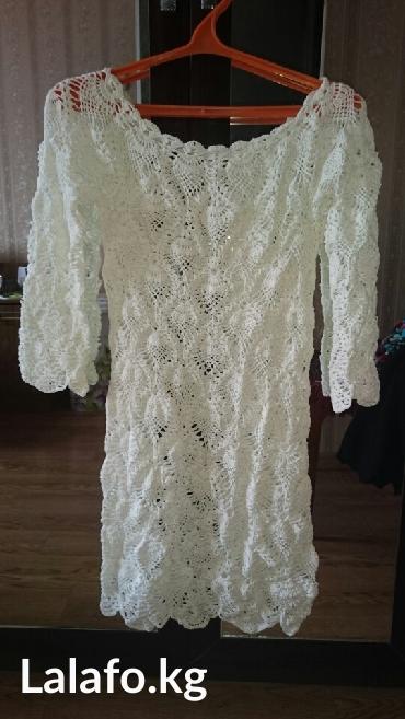 вязаное платье зимнее в Кыргызстан: Платье вязаное. Вязка крючком,рисунок ананас. Размер 42-44