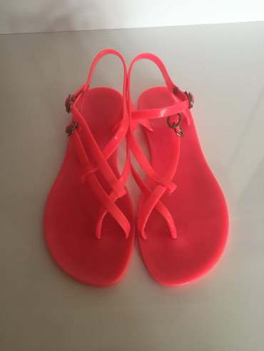 Plasticne sandale 39 broj,samo jednom nosene,kao nove su,cena 700 din - Vrsac