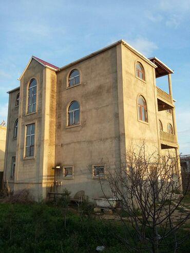 Otel və hostellər - Azərbaycan: Təcili Novxanıda 3 mərtəbəli villa satılır və dəyişdirilir.Villanın