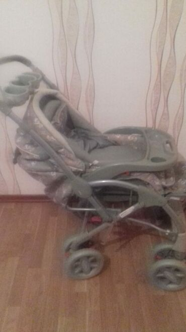 avtomobil üçün - Azərbaycan: Yellenir hemde cixir masin ucun kreslo olur qirigi sokuyu yoxdu
