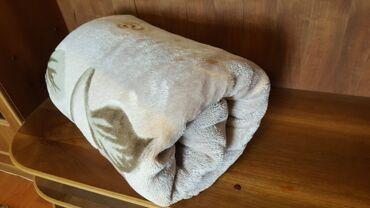 Одеяло плед покрывало размер 2м на 2.30м б/у чистый целый теплый на