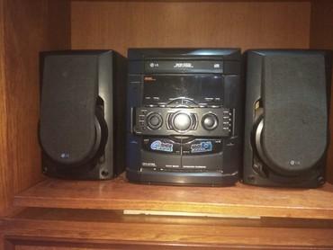 Музыкальный  центр кассетный и сидишь пр 5000сом.. в Бишкек