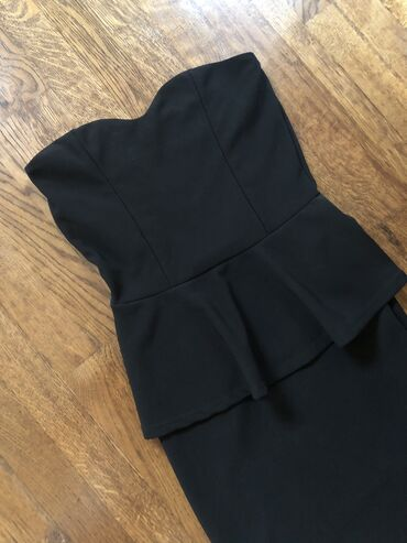 Haljina materijal elastin - Srbija: Dress Club Bershka L