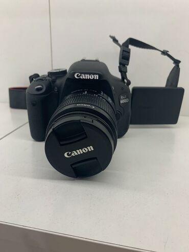 удобный фотоаппарат в Кыргызстан: Продаю профессиональный фотоаппарат Canon 600D объектив 18:55