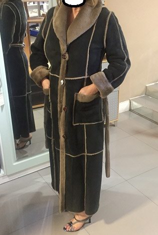Дубленка.Отличная необычная женская дубленка,размер 50-52, в Бишкек