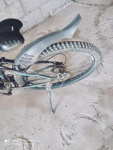 Продаю велосипед мелас на ходу 3/9 скоростей 26 колеса торг уместен