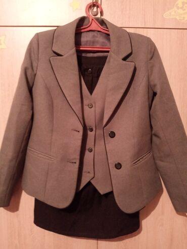 школьную рубашку в Кыргызстан: Продаётся Униформа в школу!!! Носила 3 раза на мероприятия Размер 44 Н