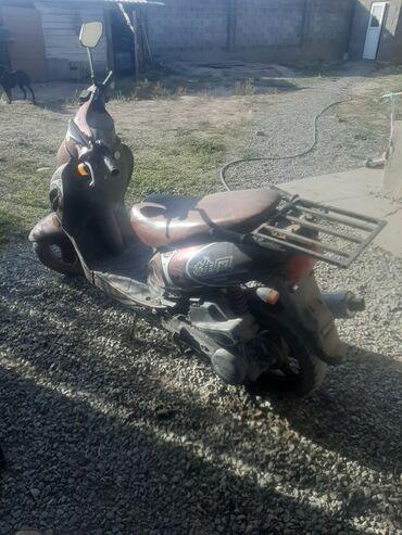 Мотоциклы и мопеды - Кыргызстан: Скутер китаец. Объем 1.2куб  состояние хорошее. После ремонта. Минимал