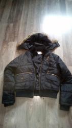 Zenska jakna veličine M ocuvana i nije nigde ostecena - Smederevska Palanka