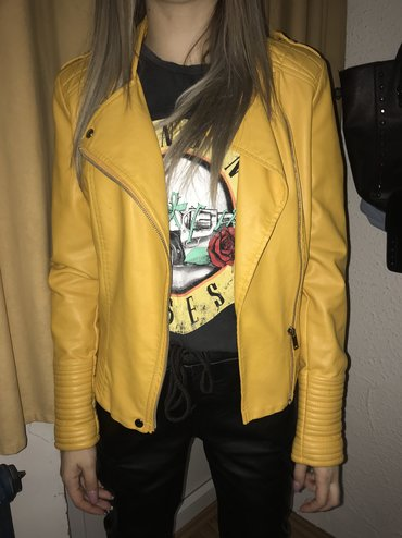 Moderna zuta jakna