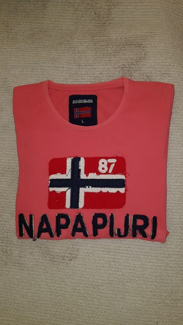 Napapijri duks - Srbija: Napapijri majica, velicina M-L. Original