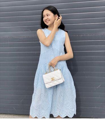 Продаю платье белого цвета  Одевала один раз Размер-S Брала дороже