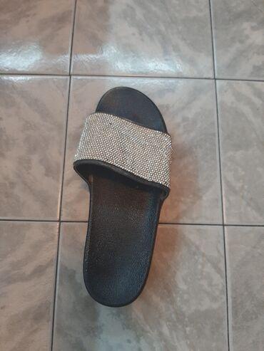 Papuce - Srbija: Prelepe papuce, par puta obuvene. Jako udobne!