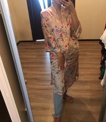 Стильный халат накидка bershka. Размер s.  в Бишкек