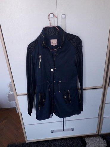 Zenski kaput teget crni nošen samo jednom u odlicnom stanju velicina