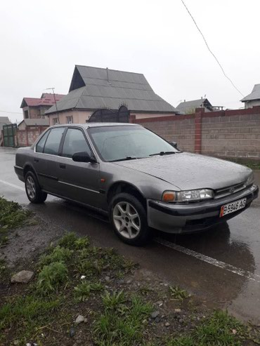 Honda Accord 1990 в Бишкек