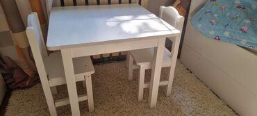 Дом и сад - Бишкек: Продаю деревянный детский столик для детей. Детский столик и