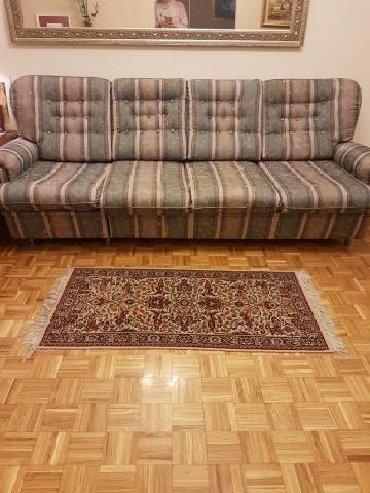 Cetvorosed sofaProdajem cetvorosed, konstrukcija od bukve, novi
