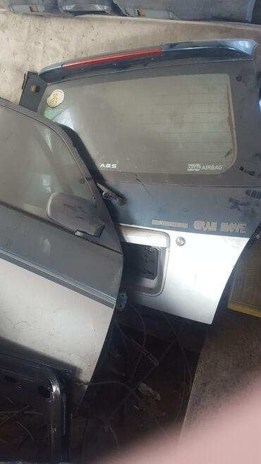 Daihatsu Grand pyzar задняя крышка багажника бампер передний с