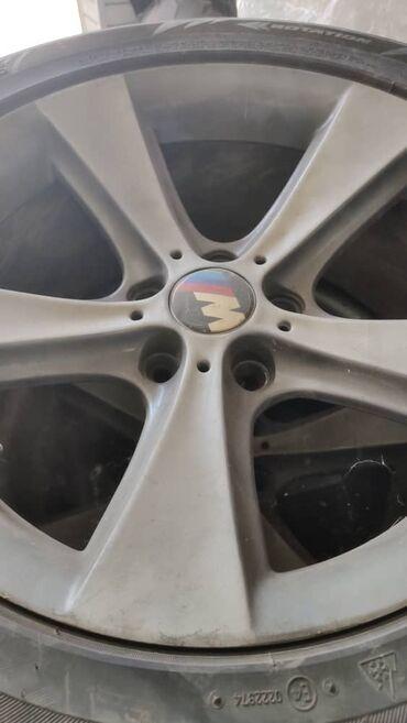 bmw kaplja в Кыргызстан: Продаю диски R18 BMW X5 на зимней резине Blizzak 255/55/18. Цена 450$