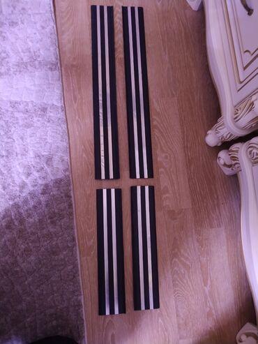 bmw x5 m в Ак-Джол: Накладки на пороги БМВ 34 комплект состояние хорошее