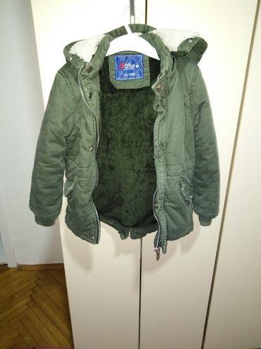 Dečija odeća i obuća - Beocin: Prelepa jakna sa krznom za decake, veoma topla i ocuvana. Boja