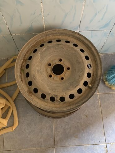 r-16 - Azərbaycan: Tecili 4 disk satılır.Ford focusun disklerdi çatı svarkası