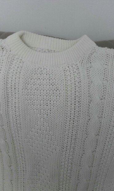 Ženska odeća   Kucevo: Dzemper kao nov bele boje  Vel L