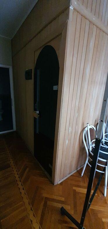 Sauna 210×1.35-olcudedir.az və səliqəli işlənib.icinde