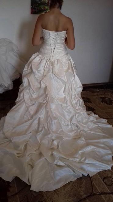 Свадебные платья - Токмак: Продаю новые свадебные платья, 5000
