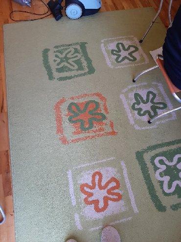 Ostali kućni dekor - Srbija: Opran!!!Zeleni tepih bez ostecenja. Malo koriscen