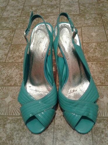 Женские туфли 36 бирюзовый цвет  Каблук 7см