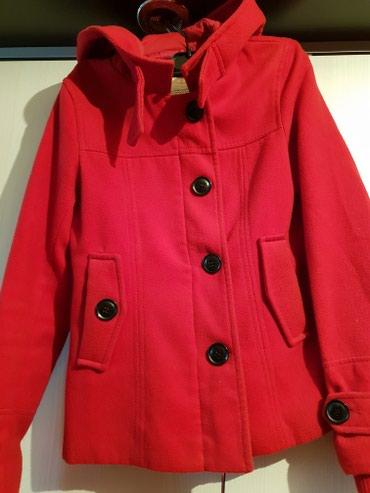 Красное красивое пальто не дорого,для девочек в Бишкек
