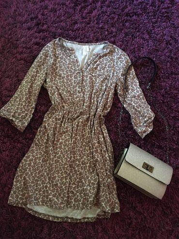 Svaku priliku haljina - Srbija: Haljina sa cvetnim dezenom za svaku priliku, strukirana, nosena ali u