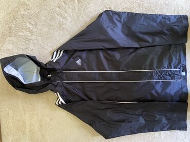 Adidas šuškavac za kišu može se nositi u slobodno vreme odličan za