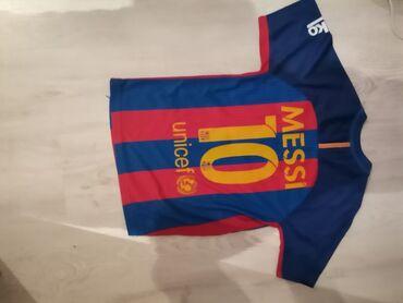 Sport i hobi - Srbija: Dres Barcelone Leo Messi Dres u odlicnom stanju