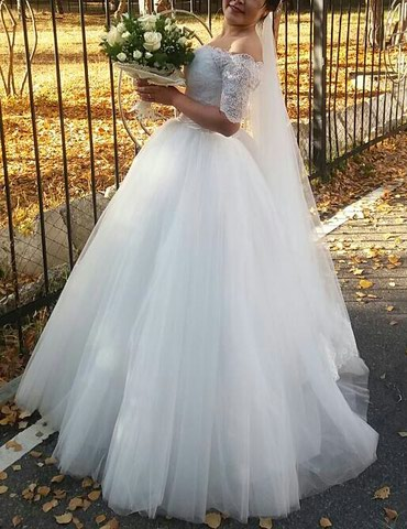 Свадебное платье, в отличном состоянии, один раз одевала в Бишкек