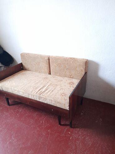 продам кресло кровать in Кыргызстан | ДИВАНЫ: Продаётся диван (выдвигается в длину) и кресло кровать(сбоку откалолос