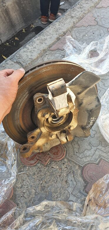 запчасти хендай санта фе бу в Кыргызстан: Левый поворотный кулак (цапфа, ступица, тормозной диск). Хундай Санта