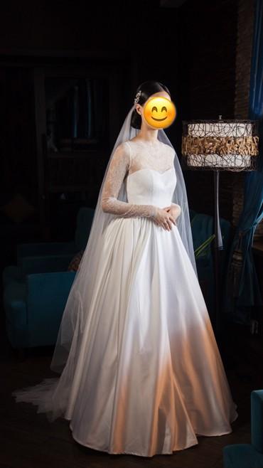 Продаю нежное свадебное платье с фатой и аксессуарами в Бишкек