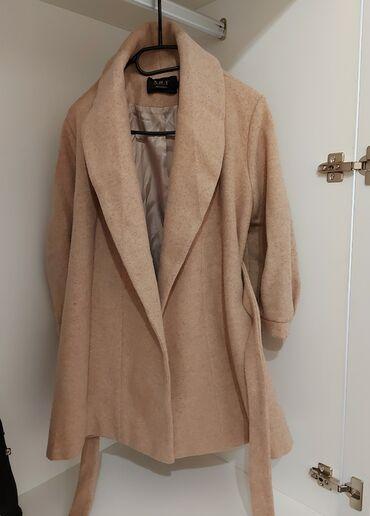 Isti qış palto, L ölçüsü, lakin kiçik ölçülü satılır, 1-2 dəfə geyilib