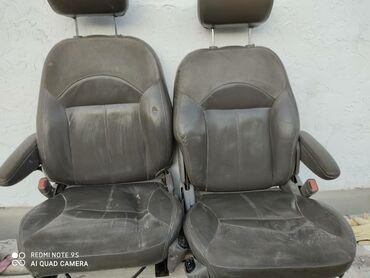 Передние кожаные сиденья от Крайслера,цена за каждое по 4000